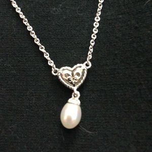 Jewelry - Silver tone and faux pearl heart necklace 16""